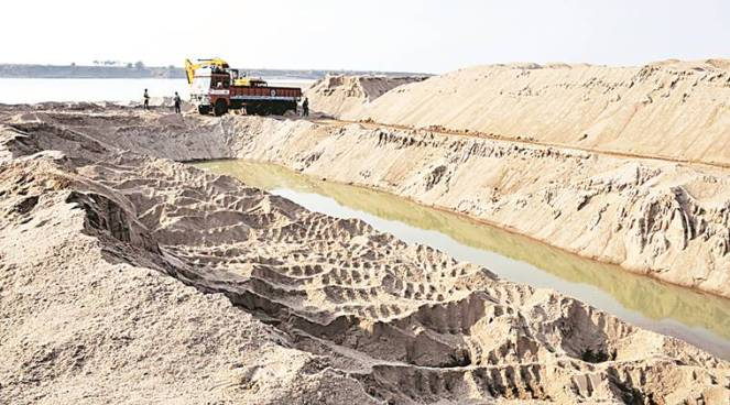 On February 7, The Indian Express highlighted illegal sand mining on