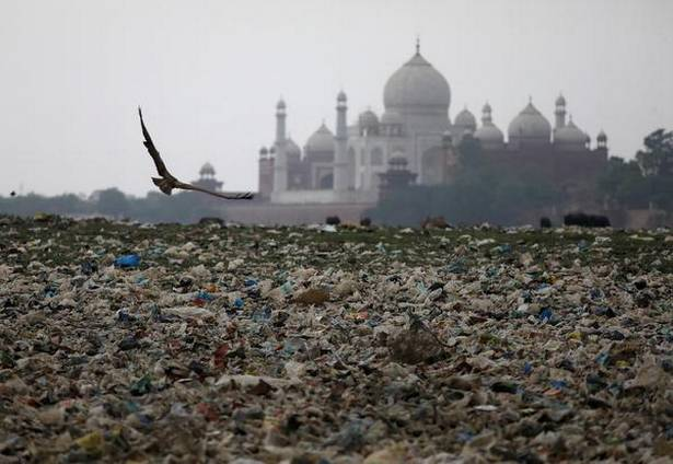 HEALTH-POLLUTIONINDIA-TAJMAHAL.jpg