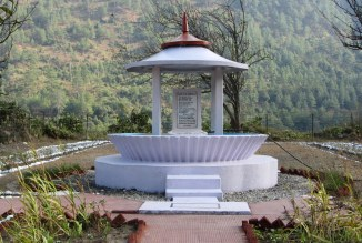 This is a war memorial in the shape of Mishmi community's memorial for the dead. A sentimental poem adorns the plaque at this war memorial. (Photo: Nivedita Khandekar)