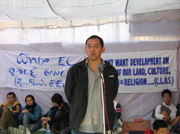 Tseten Lepcha at a delhi protest December 2007 source weepingsikkim