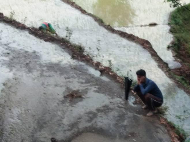 Silt, debris filled in farm lands damaging crops. Image Source: Naveen Joshi, VCSGCVS.